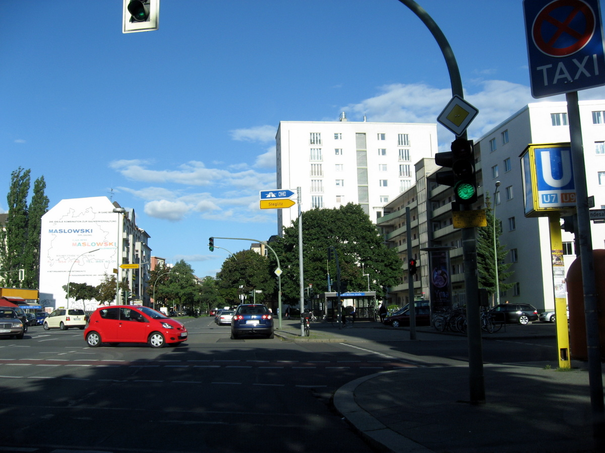 Berliner Str./Bundesallee keine Säule