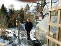 Februar im Kleingarten - Babsy genießt das schöne Winterwetter