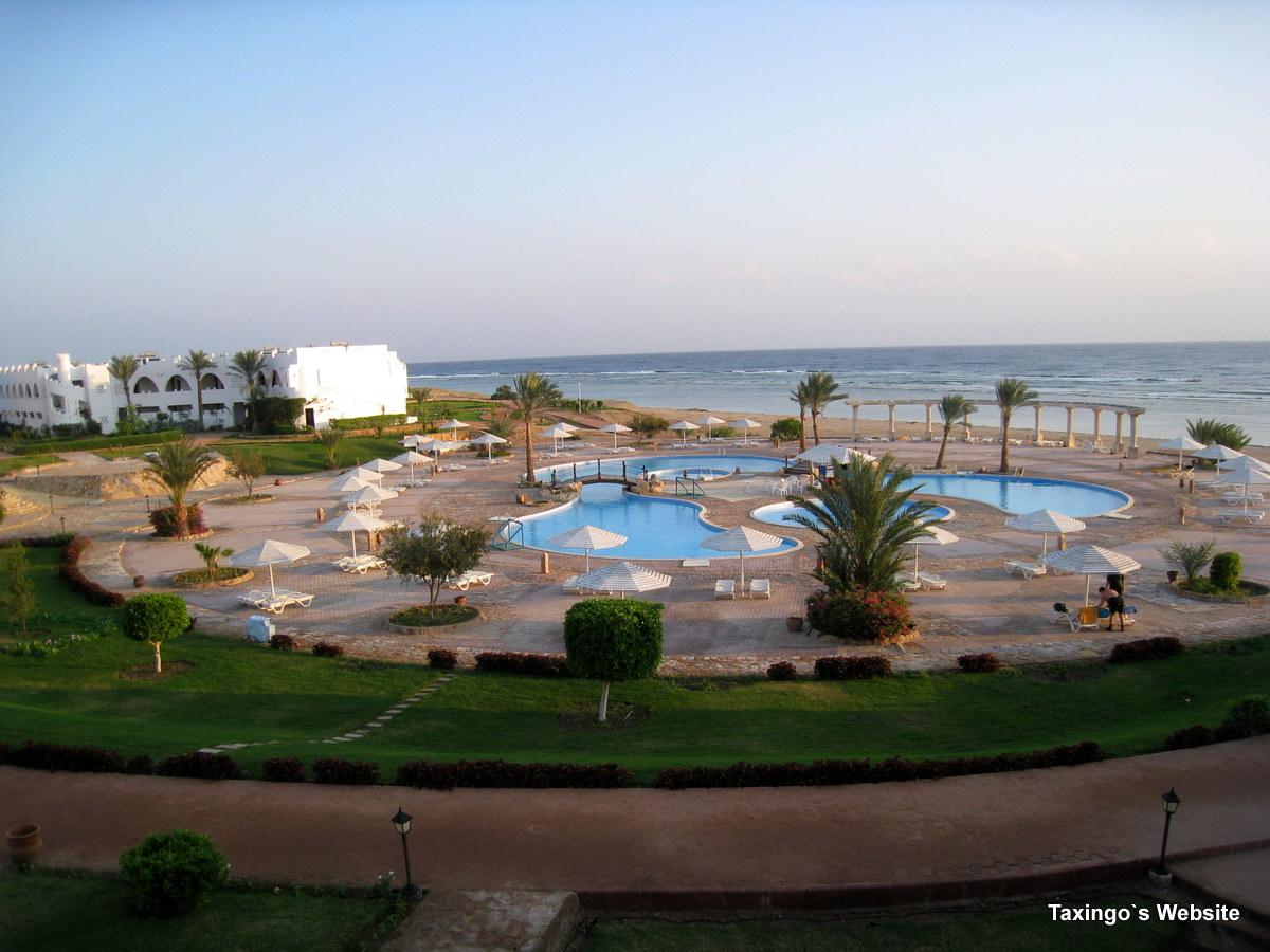 Three Corners Equinox Beach Resort Strand und Pool