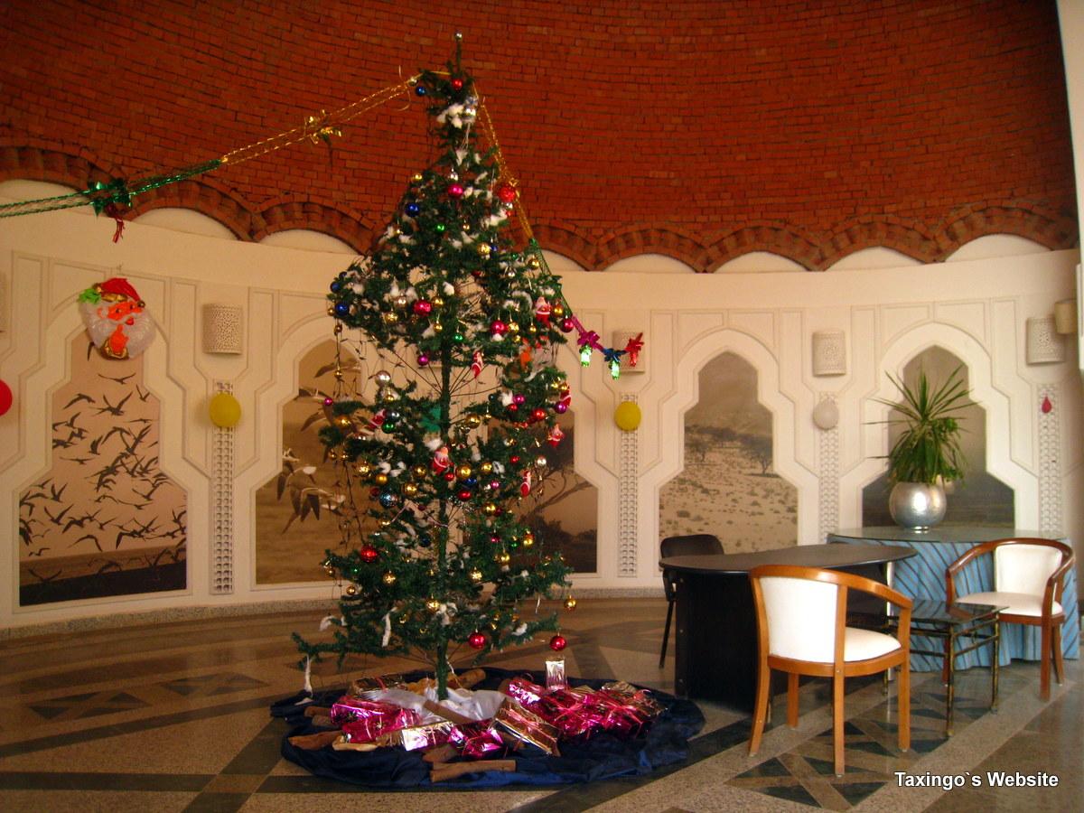 Weihnachtsbaum in der Lobby